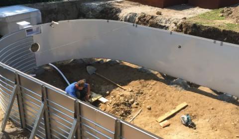 Baubeginn eines Swimmingpools
